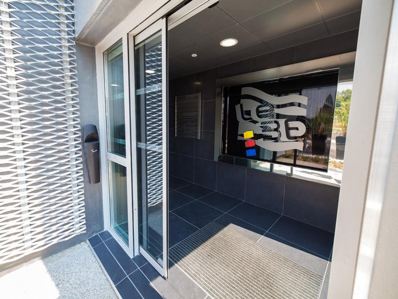 Axed portes automatiques porte coulissante circulation rapide - Ouverture porte garage automatique ...
